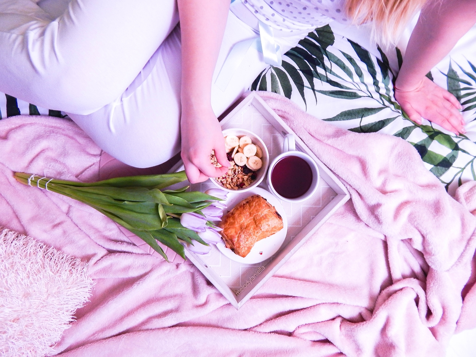 poranne rytuały jak sprawić by poranek stał się przyjemny biżuteria sotho jakość opinie maseczki w płachcie crazy mask bielenda dodatki pościel white pocket pepco różowy koc kwiaty piżama masenso wygodne bawełniane piżamy