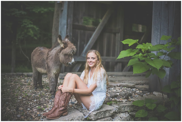 senior photo with donkey