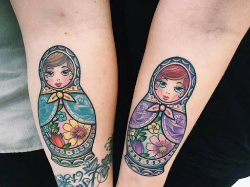 Essas coloridas bonecas Matryoshka