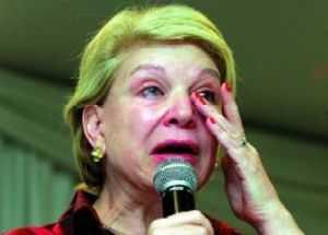 Marta Suplicy troca de quadrilha e vota para salvar Aécio Neves