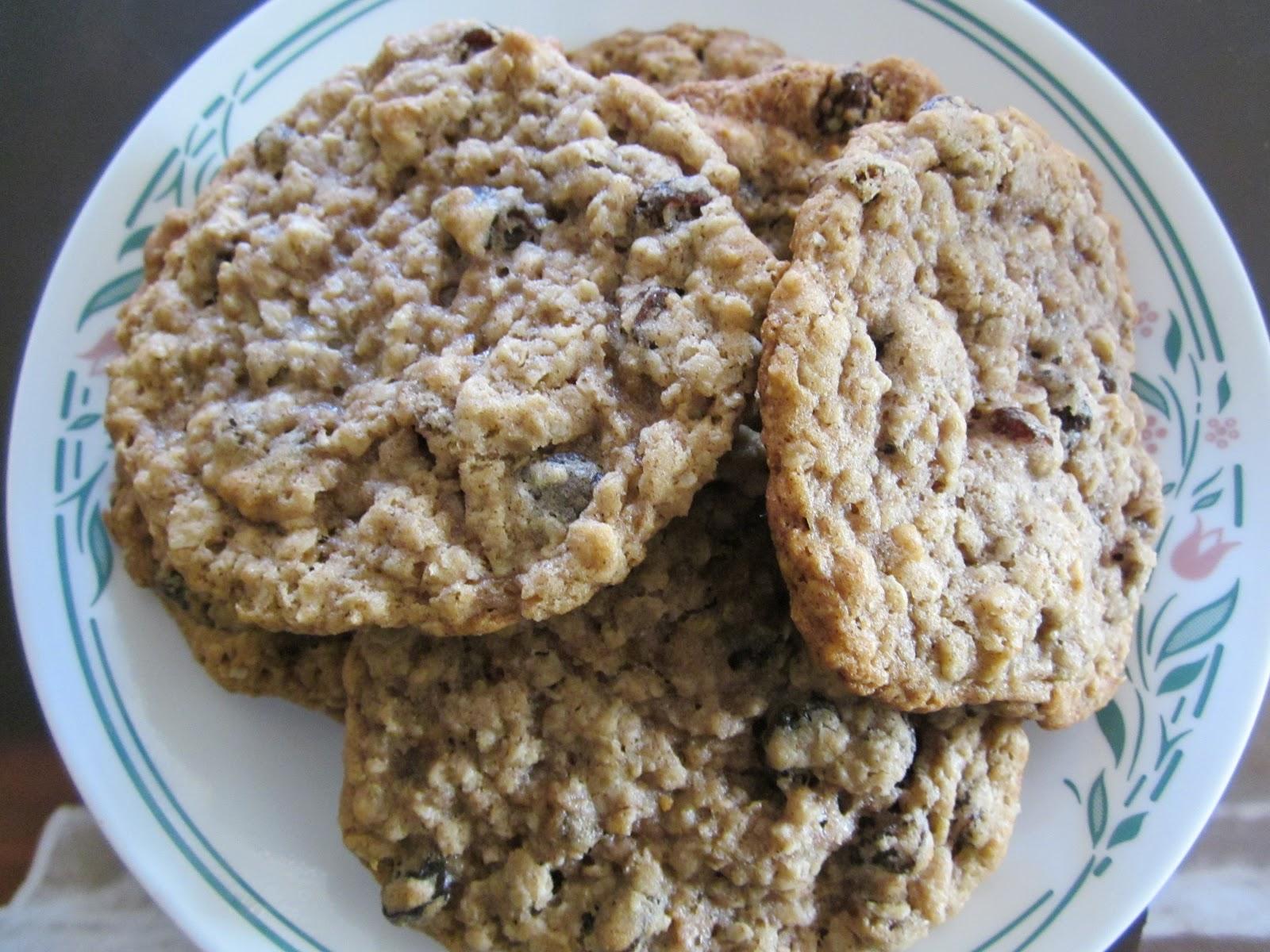 37 Cooks: Oatmeal Raisin Cookies