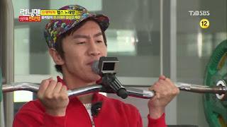 lomba-17-agustus-karaoke-barbel