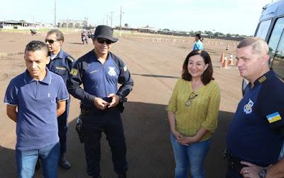 Prefeita Délia acompanha curso para escolta e batedor em Dourados (MS)