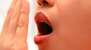Cara menghilangkan bau jengkol di mulut
