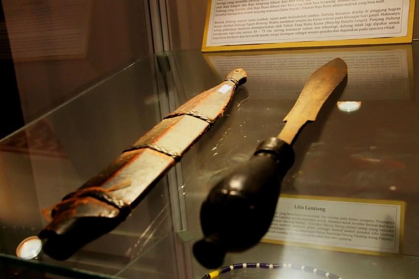Duhung, Senjata Tradisional Dari Kalimantan Barat