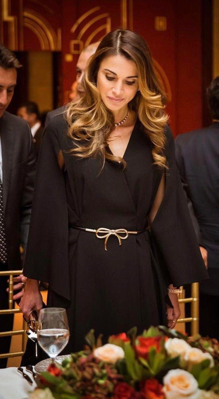 Queen Rania: Fashion Trends, Style Tips #QueenRania