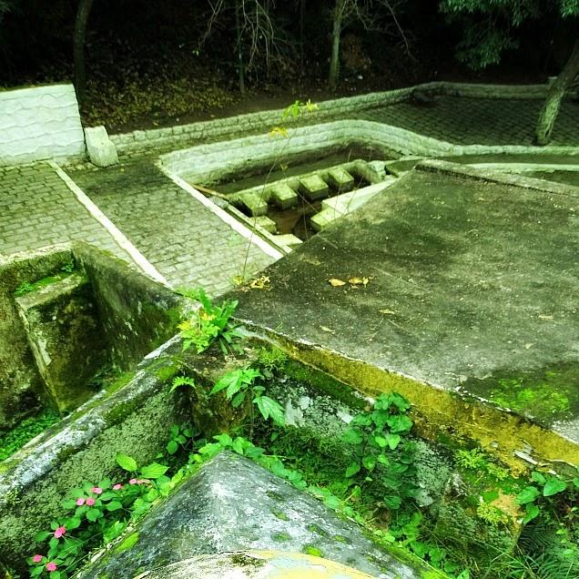 O Beco da Carioca, ao fundo da Igreja Matriz de São José, Santa Catarina