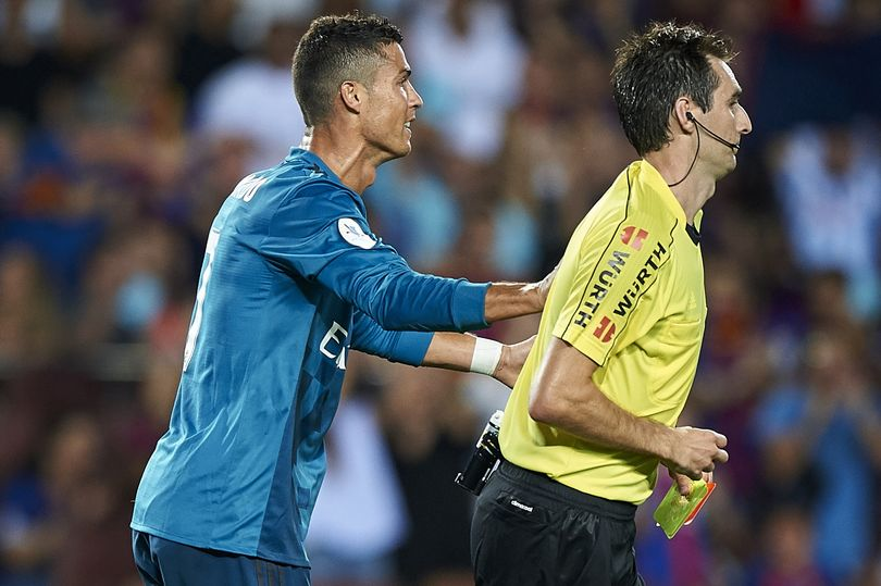 ronaldo_and_referee