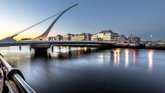 Wallpaper: Samuel Beckett bridge at sunset, Dublin, Ireland
