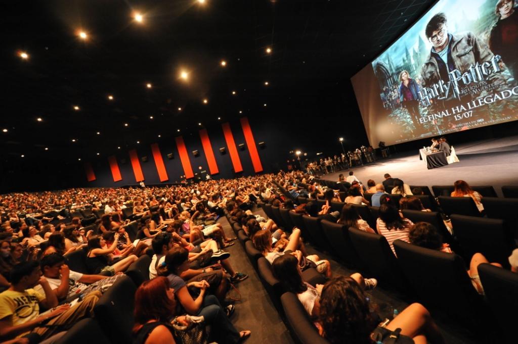 Rupert grint y los hermanos phelps llenaron kinepolis - Fotos de salas de cine ...