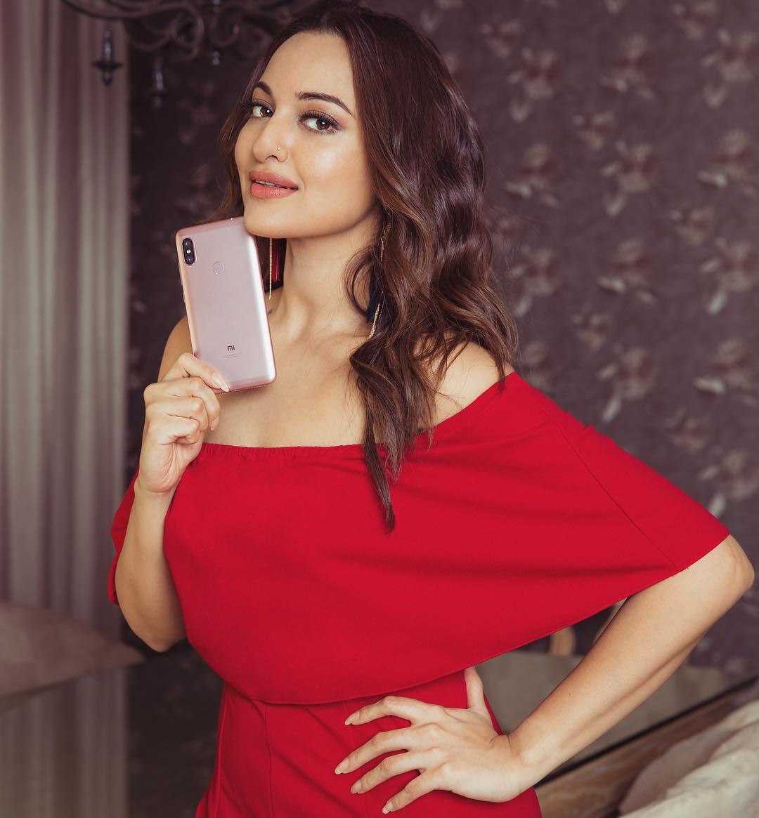 Dazzling Sonakshi Sinha in Red Dress