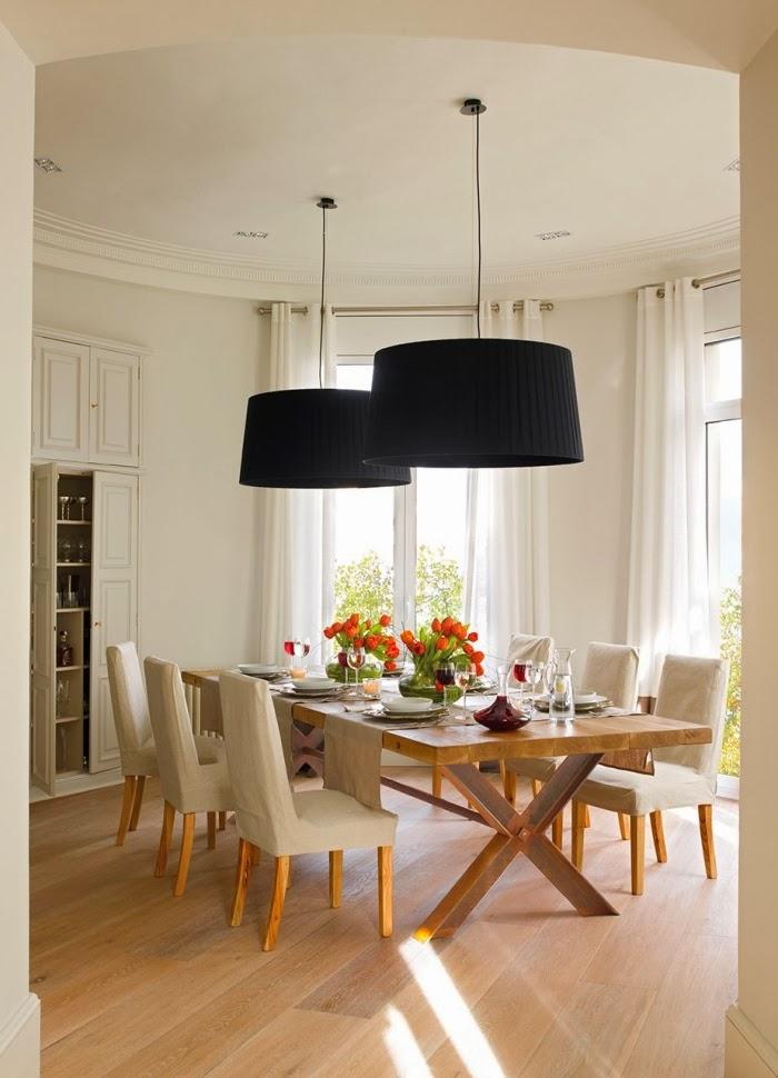 Stonowane mieszkanie w centrum Barcelony, wystrój wnętrz, wnętrza, urządzanie domu, dekoracje wnętrz, aranżacja wnętrz, inspiracje wnętrz,interior design , dom i wnętrze, aranżacja mieszkania, modne wnętrza, styl klasyczny, jadalnia
