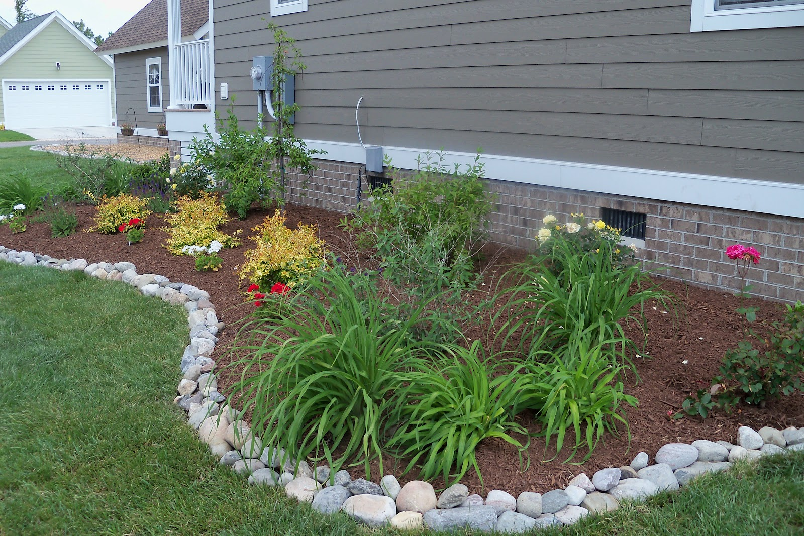 Solid Lawn Edging Ideas ! Garden Bible