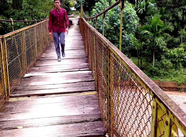 Jembatan Gantung Manggeng Nyaris Makan Korban