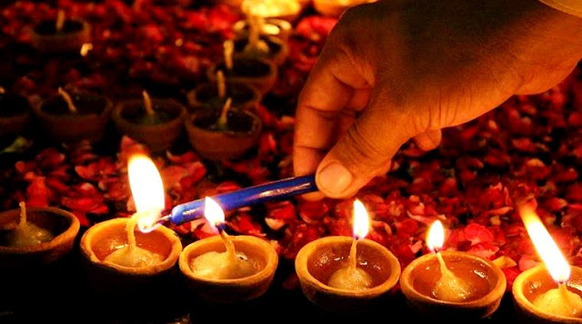 Choti Diwali 2018: Choti Diwali Date, Puja Time, Significance And Foods To Celebrate With