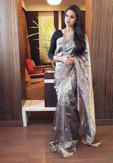 Keerthy Suresh in Saree for Opening of Happi Mobile Store in Guntur