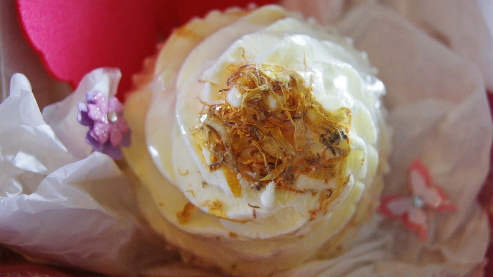 Bomb Cosmetics Milk & Honey Bath Brulee Review