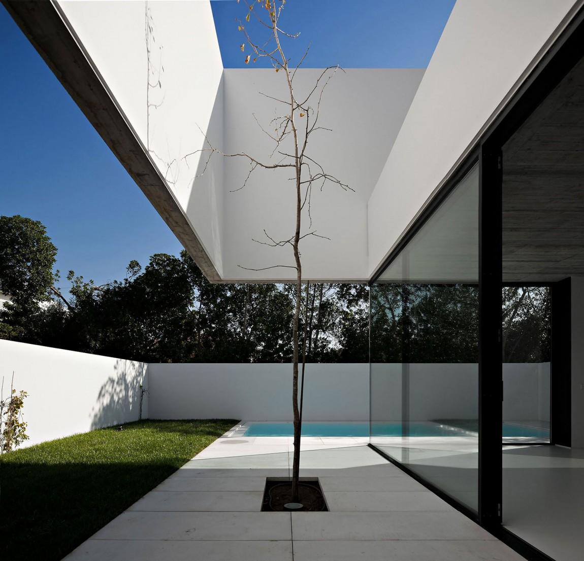 Arquitectura: Ultra Modern Minimal Architecture
