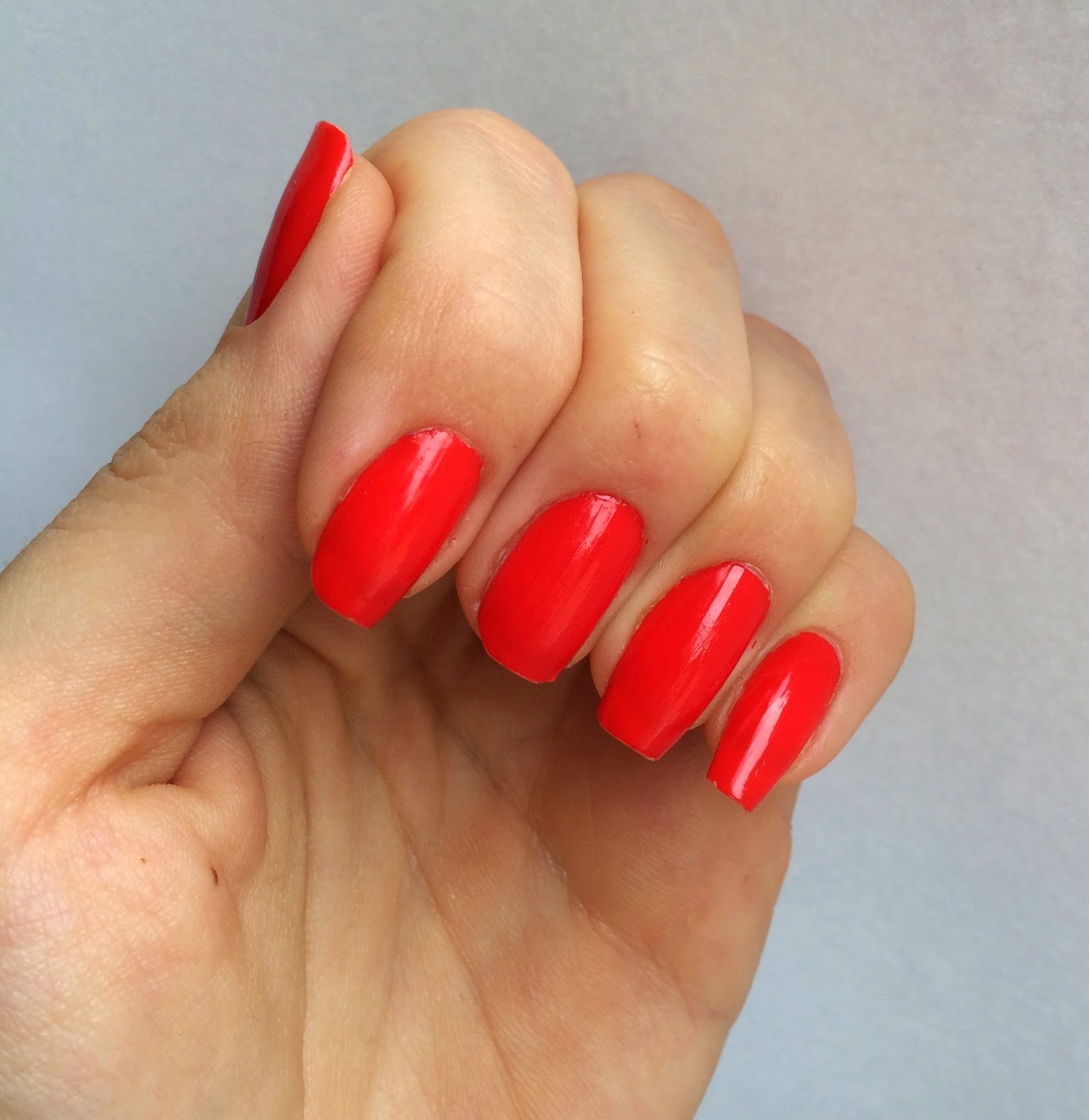 orange-toned-red-nails