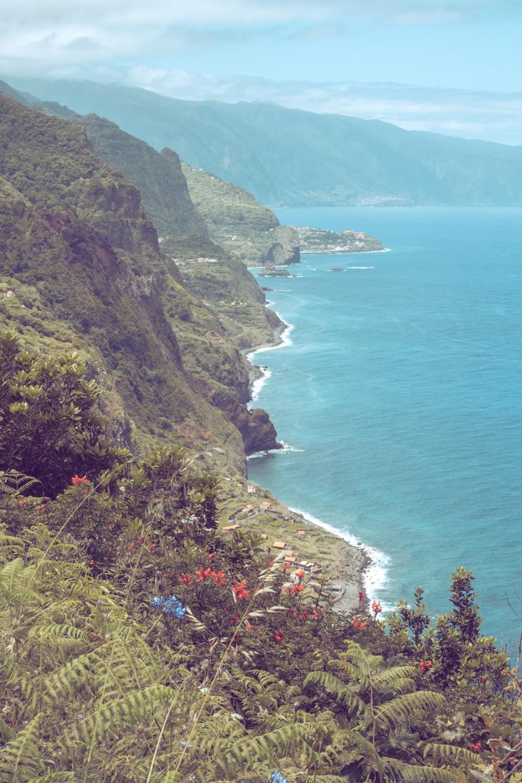 Widok na wybrzeże Madery