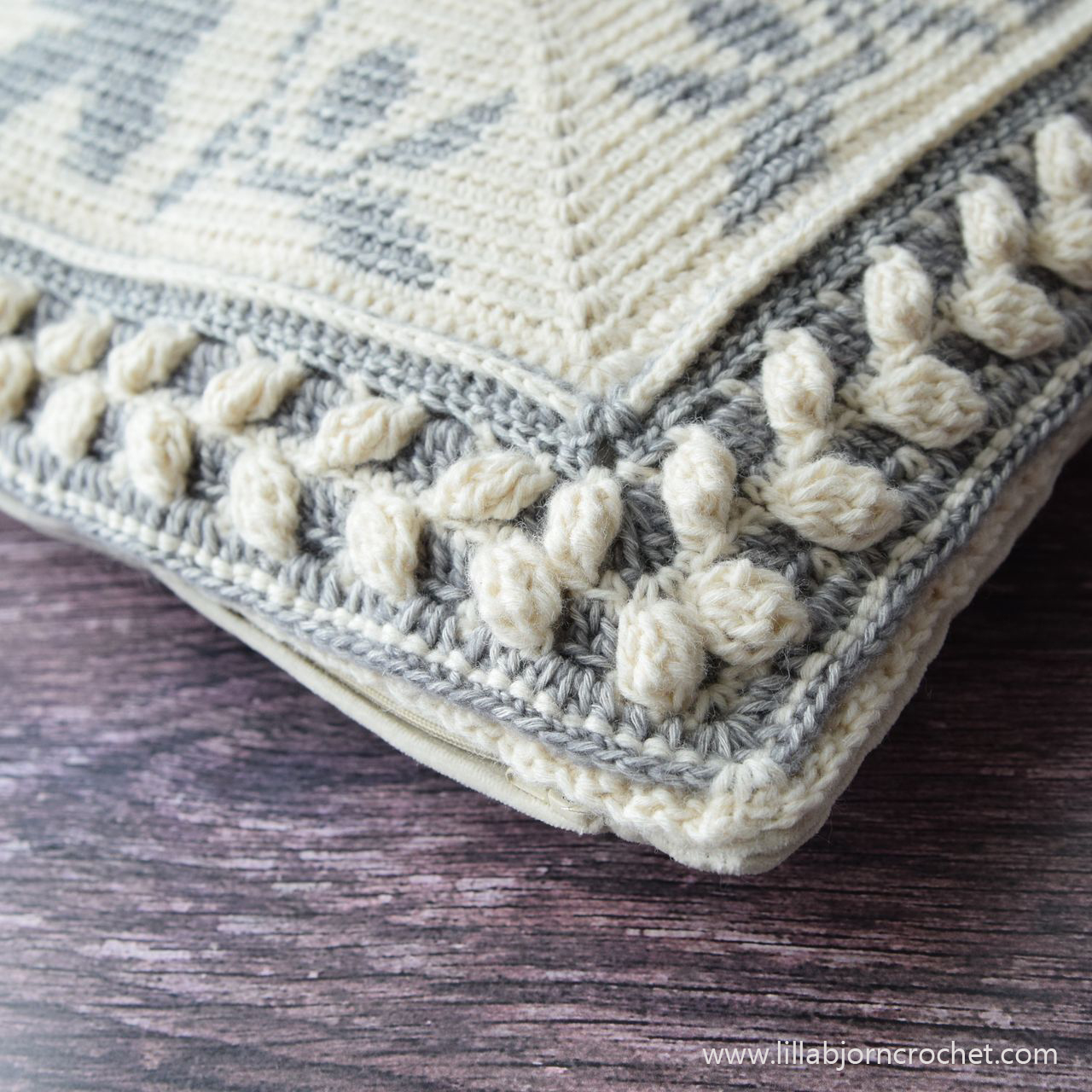 DOVE square pattern combines tapestry and overlay crochet techniques. www.lillabjorncrochet.com
