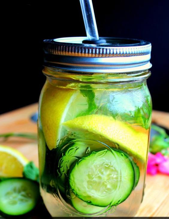 Skinny Detox Water