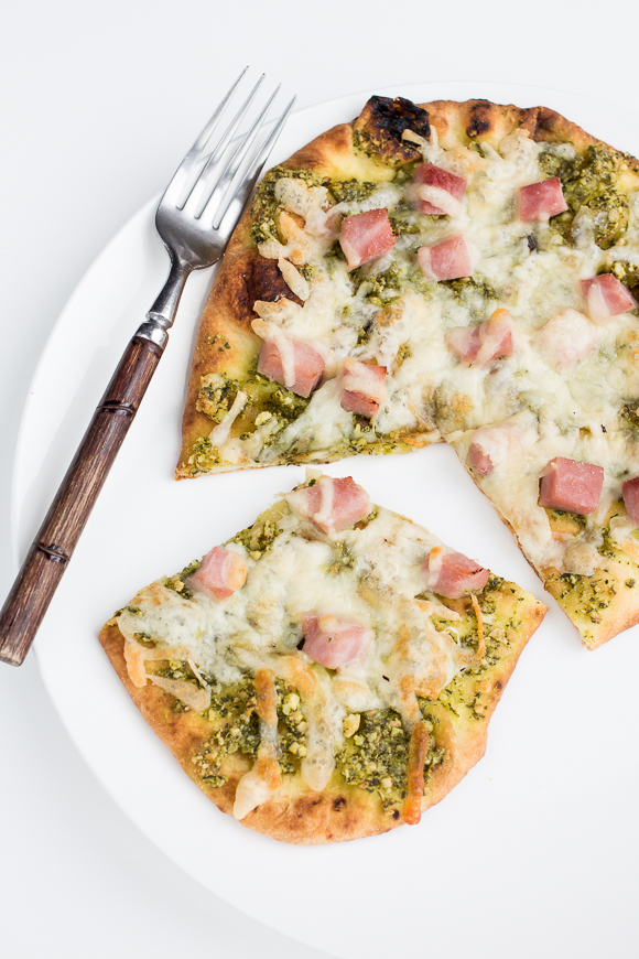 ham and pesto pizza
