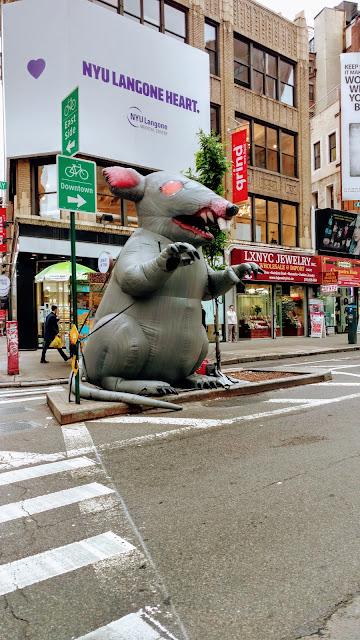 Пацюк Скаббі (Scabby the Rat) - супутник протестів і демонстрацій робітничих спілок США