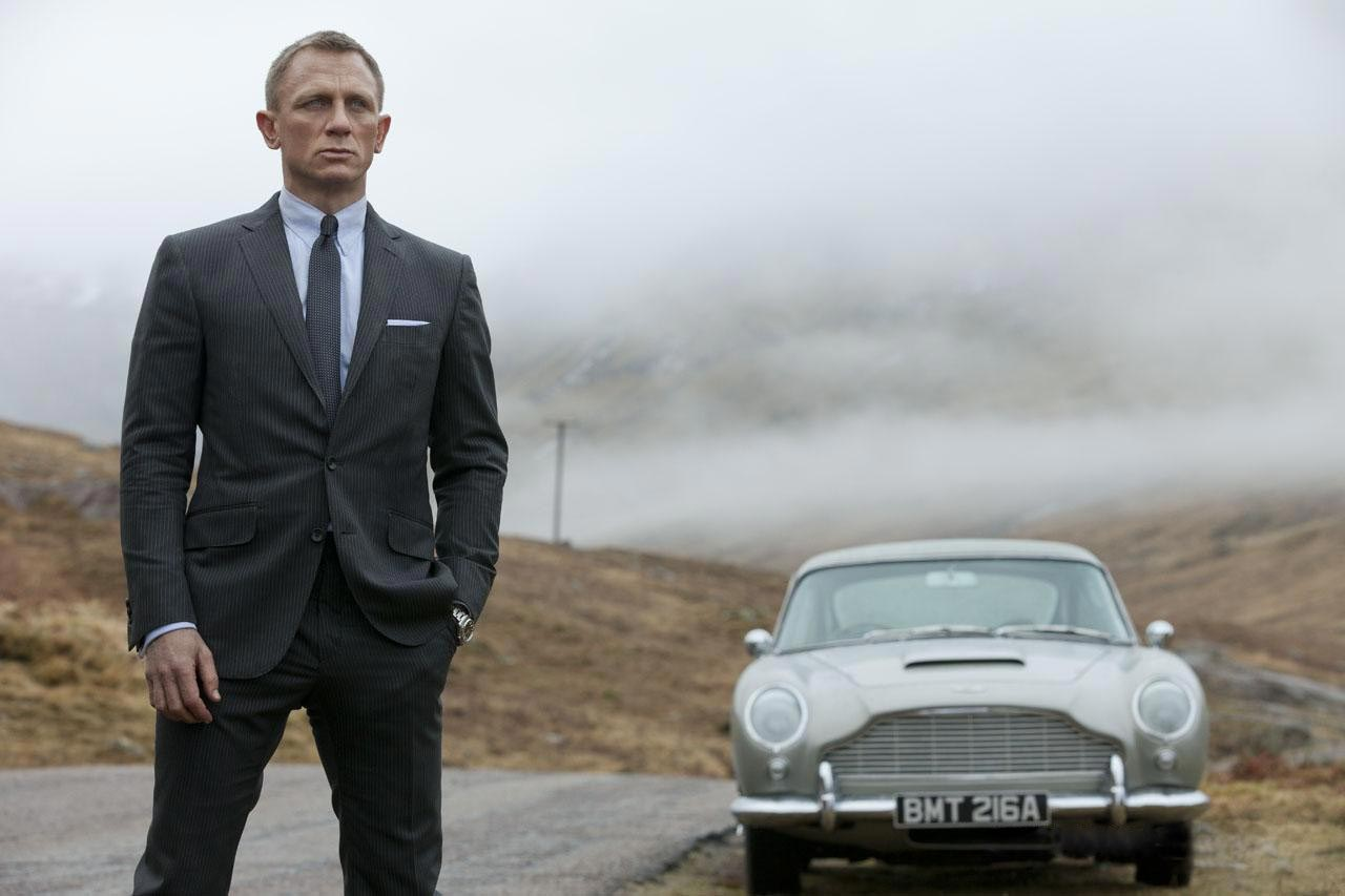 Buy Skyfall DVD Just in $4.99