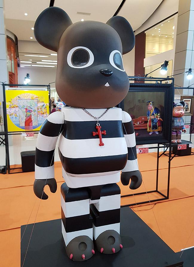 "Binko aka Phapfah Puttharugsa - ""Color Me Bear 2018"" custom Be@rBrick toy"