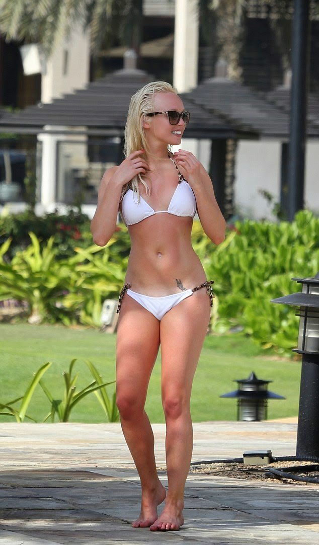 young actress Jorgie Porter hot bikini body photo 1
