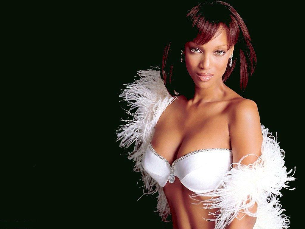 Tyra Banks Hot Pics In Bikini  Hot Celebrity Photos -6299