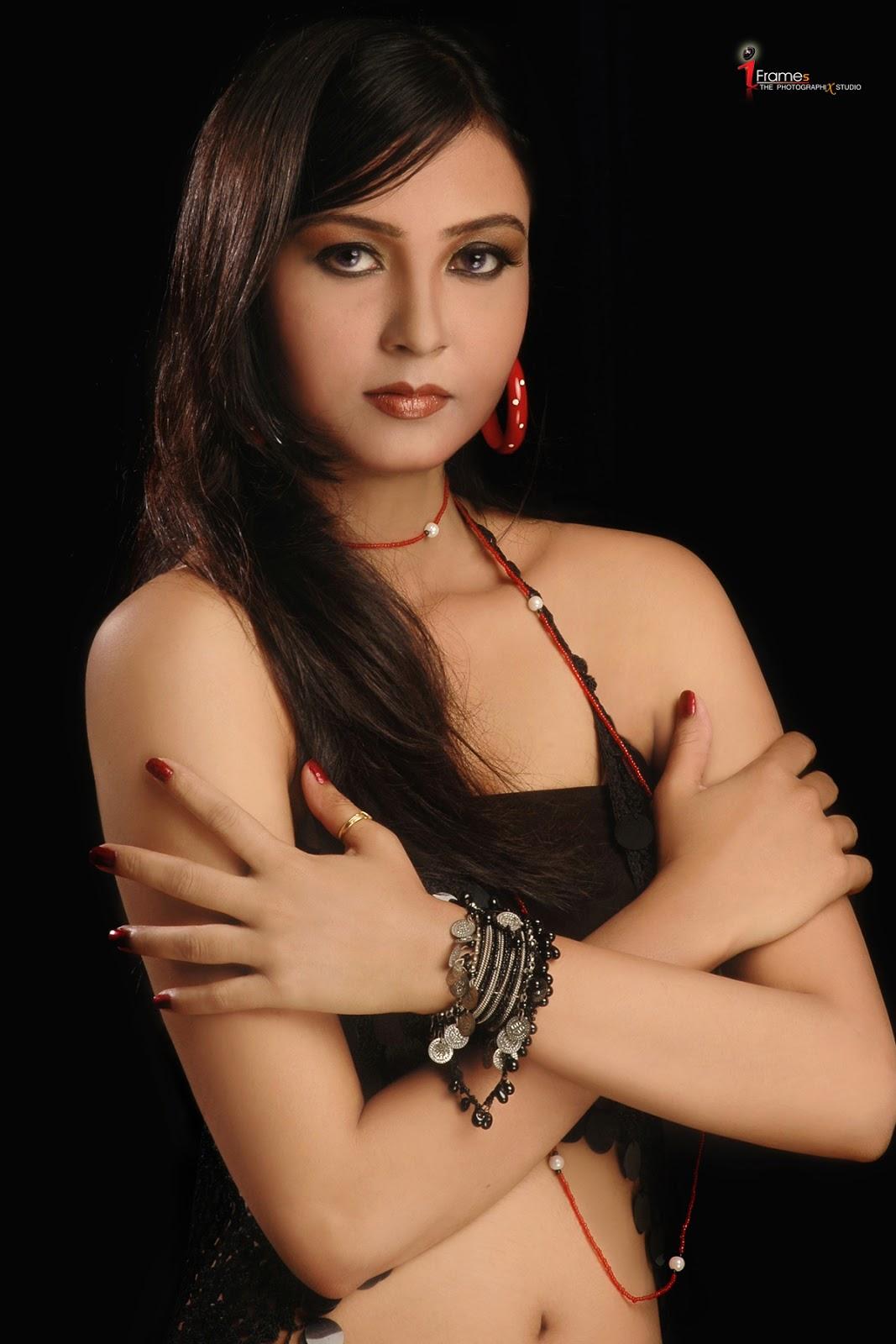 Mohini Ghosh Hot Photo, Mohini Ghosh Wallpaper, Bhojpuri -2413