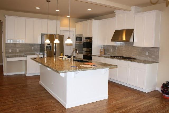 Picking A Kitchen Backsplash: Kitchen Updates: Picking Out Cabinets