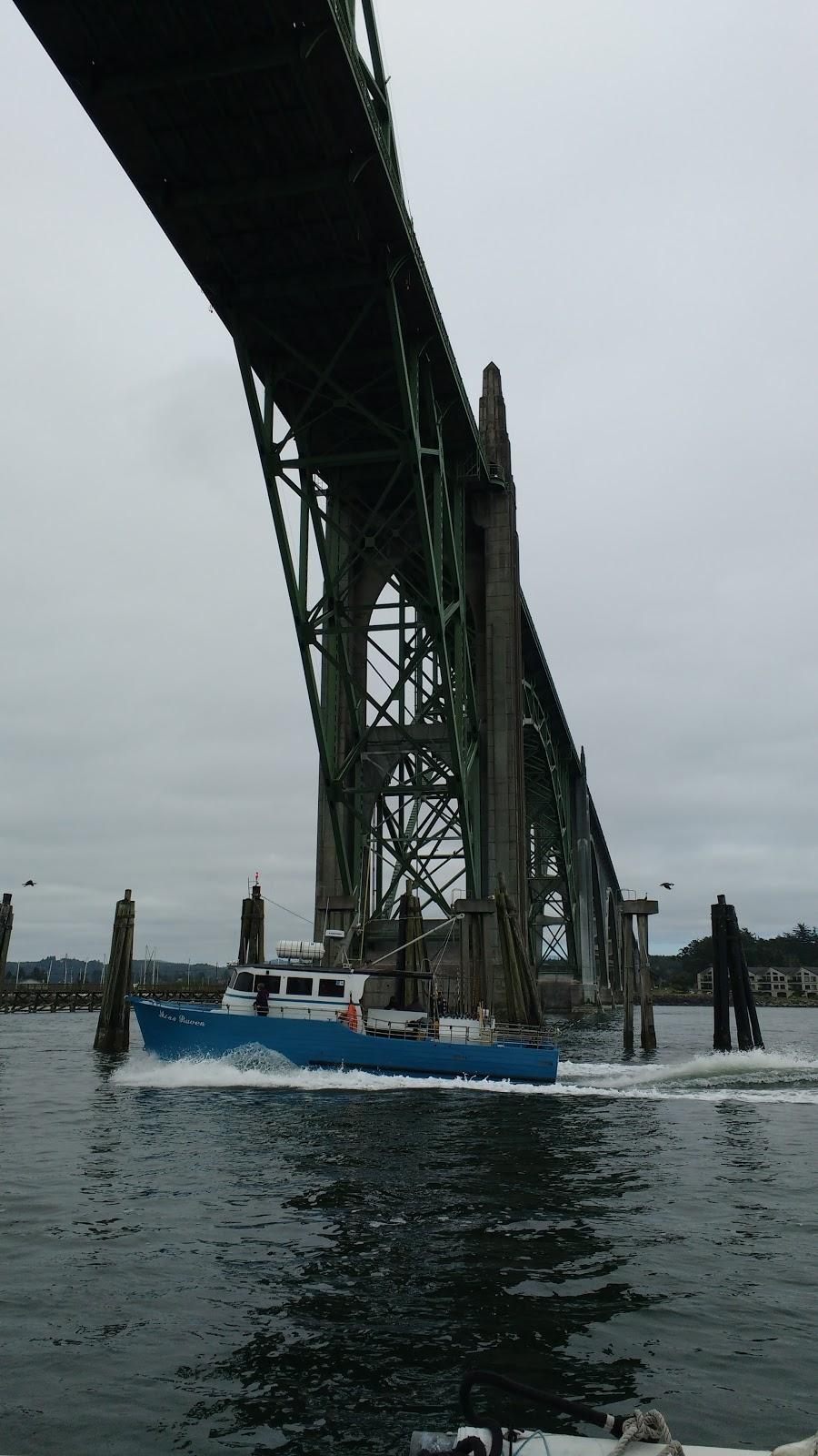 Sailing adventures of david kathy coos bay to newport for Coos bay fishing charters