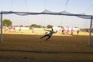 campo de fútbol de tierra