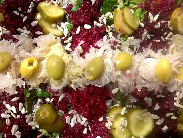 Ensalada primaveral. Apetece comer verduras frescas