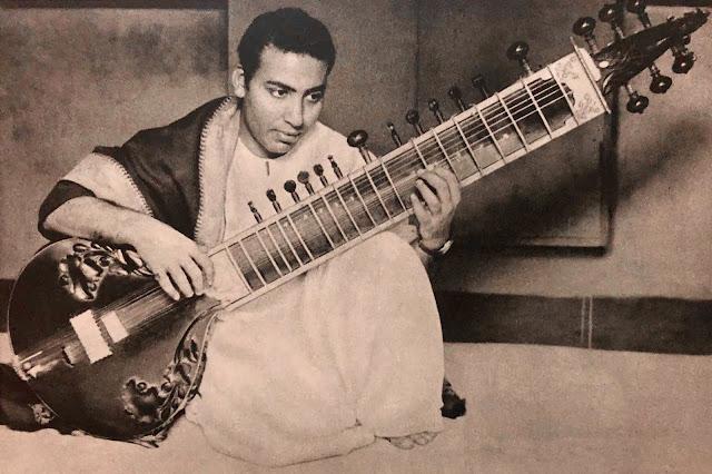 MusicRepublic INDIA – INDE  Enayat Khan – Megaphone EJNG 1003