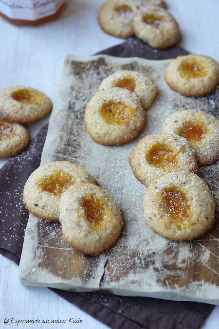 Experimente aus meiner Küche: Aprikosen-Haselnuss-Plätzchen