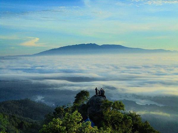 Wisata Bandung Barat Gunung Masigit, Cipongkor