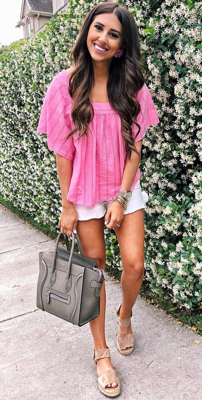 pretty cool outfit / pink top + white shorts + bag + nude platform espadrilles