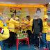 HUT ke-54, Caleg dan Pengurus Golkar Bandarlampung  Makan Bancakan Bersama Warga