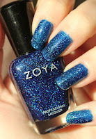 http://lacquediction.blogspot.de/2013/12/zoya-dream.html