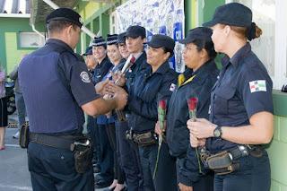 VINHEDO: Guarda Municipal faz homenagem às mães