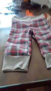 patron gratis para pantalon escoces de bebe