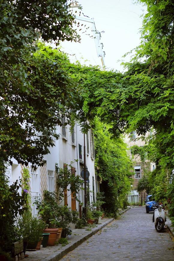 Rue Des Thermopyles, Paris, France