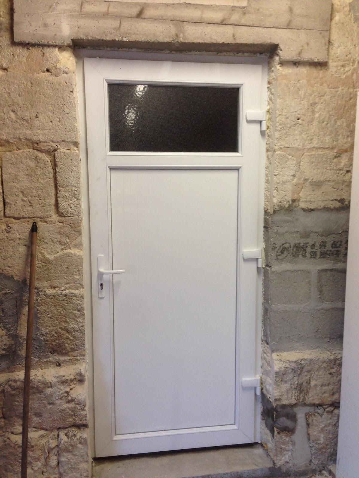 notre projet ouverture porte de service de la cuisine vers le garage. Black Bedroom Furniture Sets. Home Design Ideas