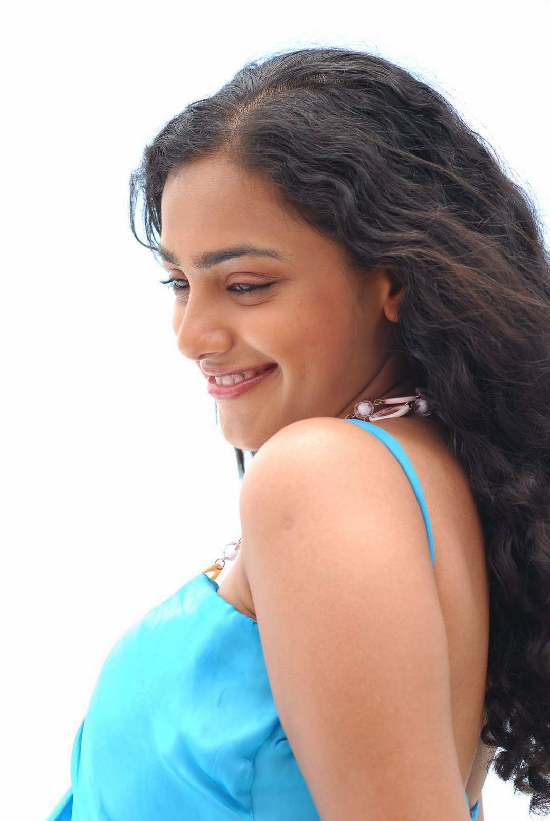 Malayalam Glamours Doll Face Close Up Photos Of Nithya Menon In Blue Top