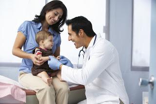 rujuk pediatrik anda, tanya doktor jika anak anda colic, apa itu baby colic, tips merawat anak colic, tips merawat anak meragam, sawan tangis