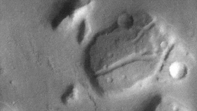 ¿Ves lo mismo que yo? NASA muestra cabeza de dinosaurio en Marte